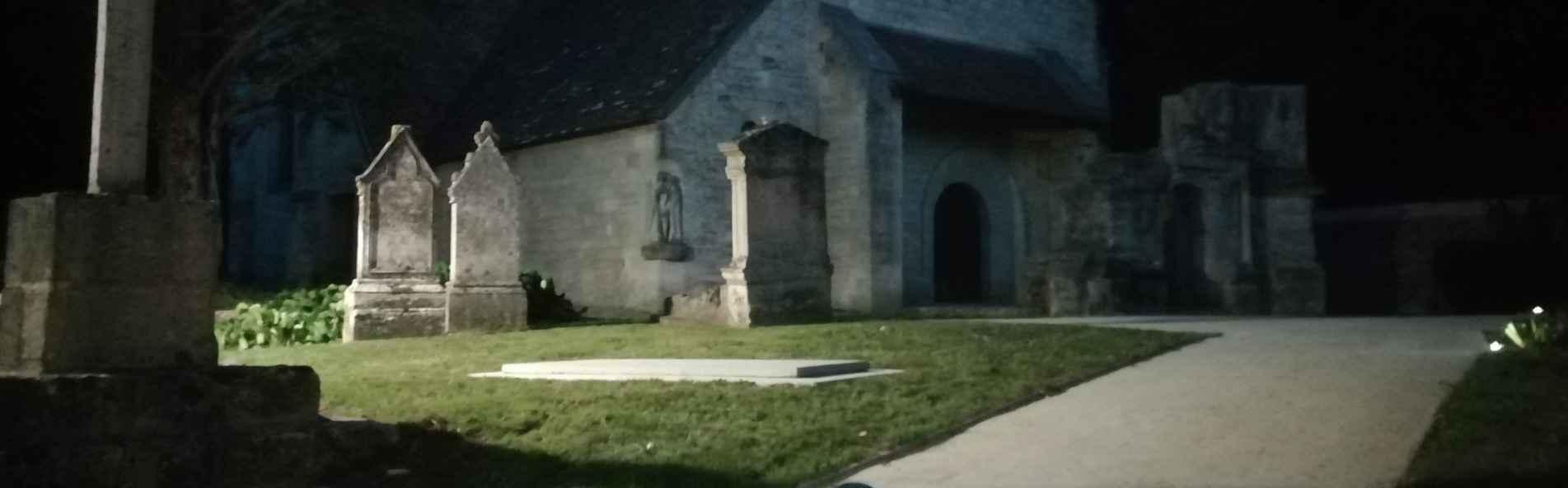 Les abords de l'église